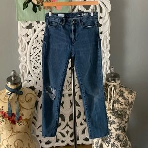 American Eagle   distressed cropped jeans 25